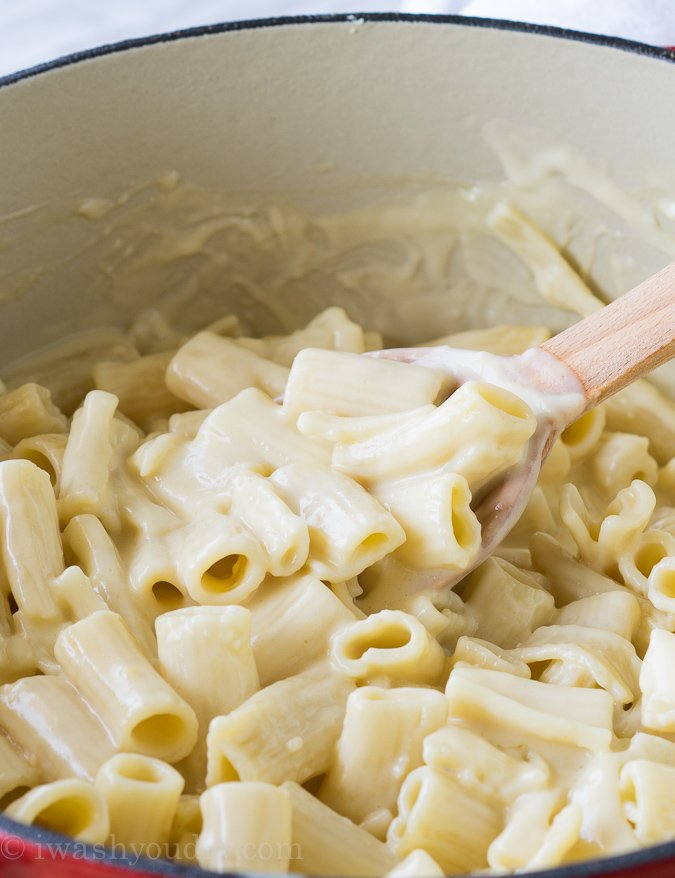 White Cheddar Mac and Cheese {I Wash...You Dry}